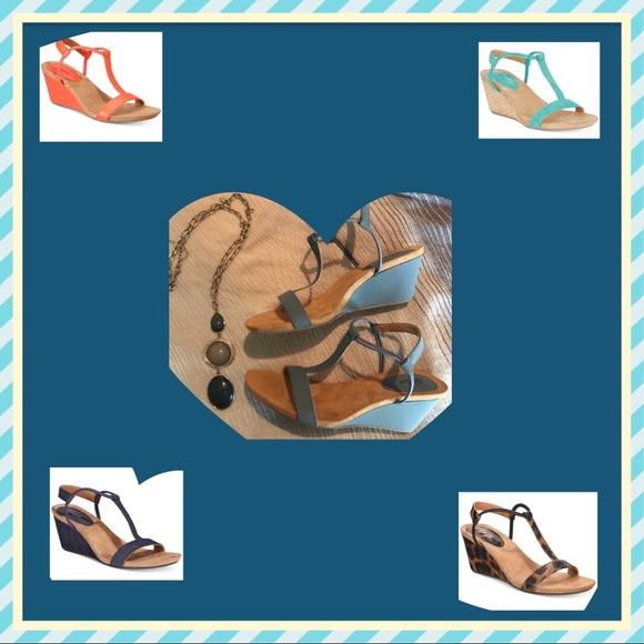 70cb75010cd7 ... Mulan Wedge Sandals. M 5aea122a8290af361c67ed38